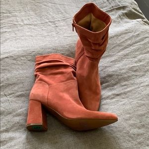 NWT Naturalizer Salmon Suede Bootie